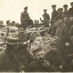"""Русские и немецкие солдаты во время """"братания"""""""