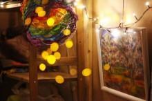 Как жить на поместье в крохотном домике всей семьей?