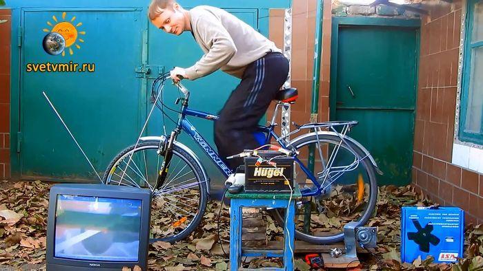 Генератор своими руками на 220 вольт. DIY Bike Generator.mp4_20150210_181816.433