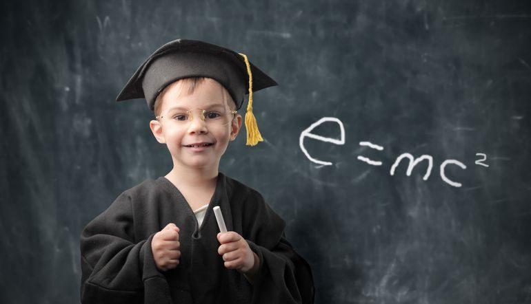 bambino 770x442 1 - СветВМир.ру - Интересный познавательный журнал. Развитие познания - «Чтение, письмо, арифметика важны только тогда, когда помогают нашим детям стать более ЧЕЛОВЕЧНЫМИ!»