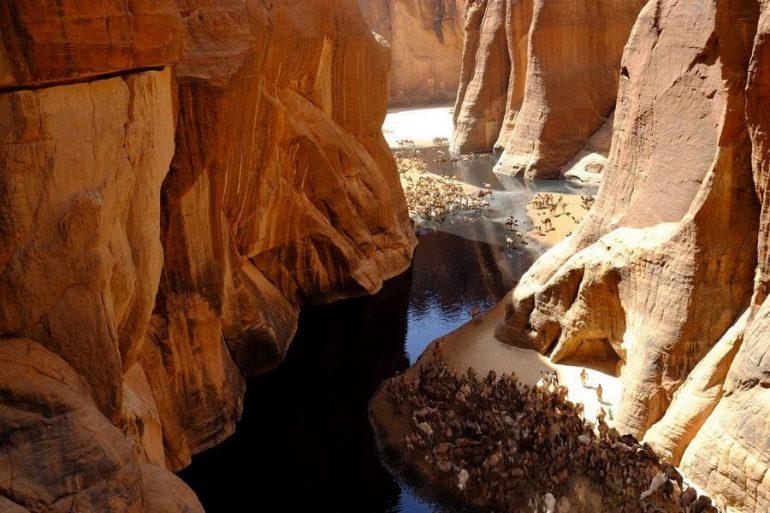 Естественный водоем в пустыне Сахара - Гельта д'Аршей
