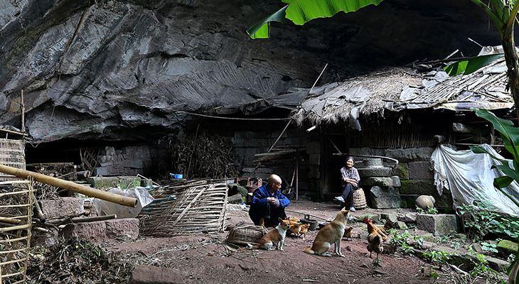Liang Zifu 130916 4 - СветВМир.ру - Интересный познавательный журнал. Развитие познания - Пожилая пара из Китая более полувека счастливо живёт в пещере