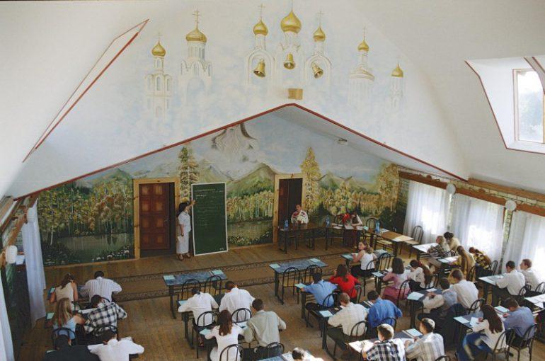 """""""Школа Щетинина прекрасна, она - ступенька к школе, в которой в новых поселениях учиться будут дети"""""""